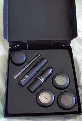 MAC Look in a Box: Gothette