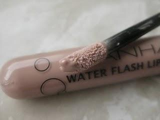 Manhattan Water Flash Lipgloss