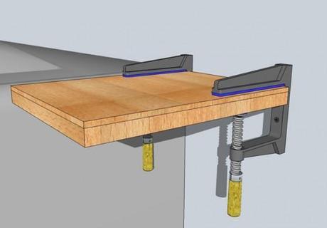Recycling tisch aus kartuschenpressen und sicherheitsglas for Tisch iphone design