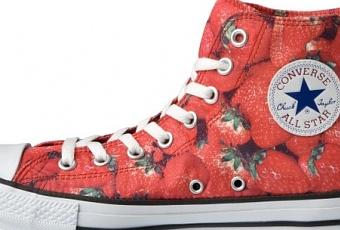 Japan Import Converse Chucks – Erdbeer