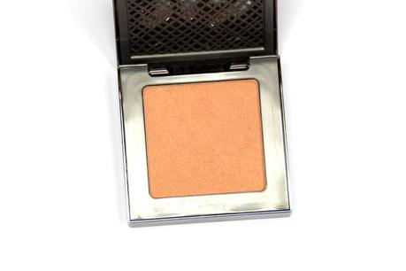 urban-decay-afterglow-8-hour-powder-blush-kinky-closeup
