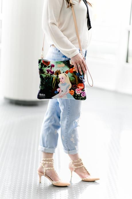 alice-in-wonderland-tasche-clutch-disney-outfit-blogger