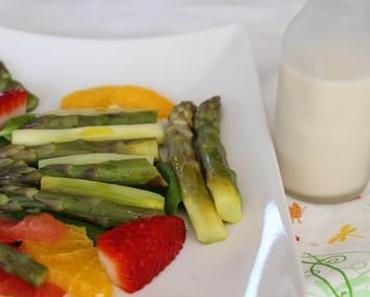 Spargelsalat mit Zitrusfrüchten & Wermut-Sahne