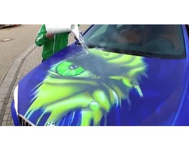 Oberfläche eines 6er BMW verändert die Farbe bei Warmwasser