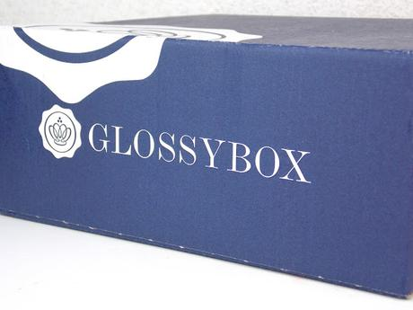 [Unboxing] Glossybox Young Beauty Juni 2015