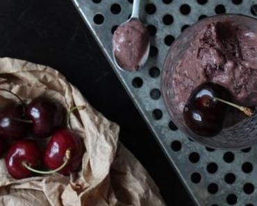 Was ist in Saison im Juli? Soviel ist sicher: Kirschen … und ein paar Worte zu rohem Kakao!