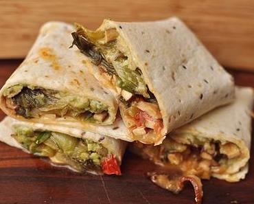 Vegan Pak Choi Tofu Wrap mit Avocadocreme