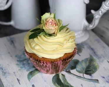 Eierlikör-Cupcakes mit weißer Schokolade