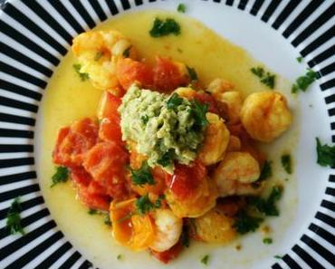 Garnelen in Tomaten-Knoblauch-Sauce mit Avocado-Dip