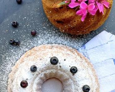 Gugelhupf mit Heidelbeeren & Buttermilch... Sommerglück am Kaffeetisch!