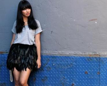OUTFIT: FEATHER SKIRT
