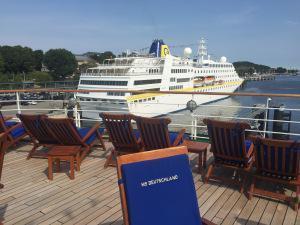 MS Hamburg wieder fit! – MS Deutschland Ade!