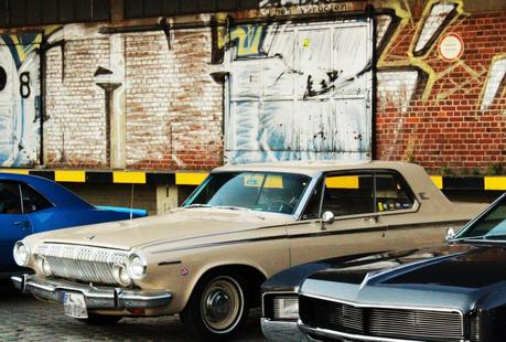 Let´s have a party – Girls & Legendary US-Cars Kalender
