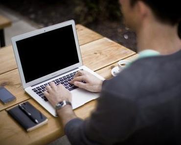 Tipps für eine bessere Körperhaltung am Bildschirmarbeitsplatz