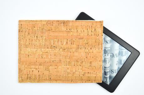 Ebook-Reader-Hülle aus Kork selbst gemach