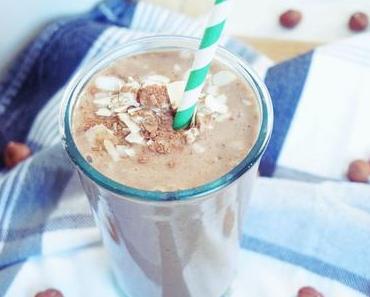 Banane-Kakao-Haselnuss Smoothie