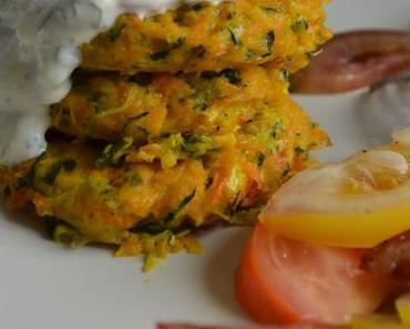 Savoury Wednesday: Kürbis-Karotten-Zucchini Puffer mit Petersilien-Yoghurtsauce