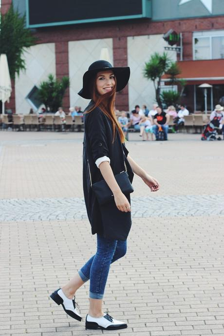 Blogtober 1. // OOTD: Long Coat