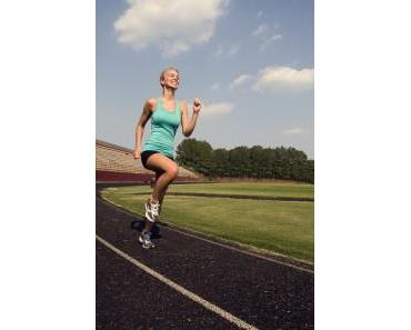 Runtastic Me Fitness-Tracker hilft beim Sport