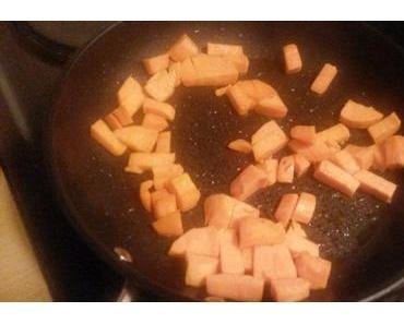 Reis-Bowl mit Süßkartoffeln und Blattspinat.