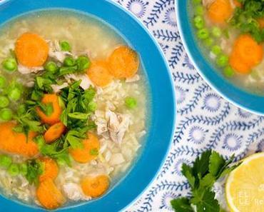 Klassische Hühnersuppe mit Reis