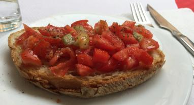 Bruschetta in der Bar