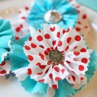 diy nähen aus stoffresten stoffbrosche stoffblume brosche aus stoff selbst selber machen einfach anleitung idee geschenkidee klein einfach schön
