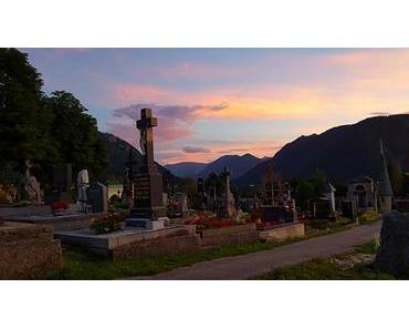 Bild der Woche: Abendstimmung am Friedhof in Mariazell