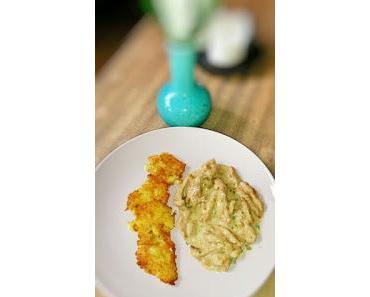 Kartoffelplätzchen mit Geschnetzeltes in einer Sahnesauce