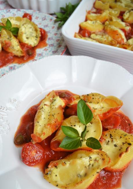 herrlicher pastaschatz muschelnudeln mit ricotta f llung und tomatensauce. Black Bedroom Furniture Sets. Home Design Ideas