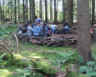 Naturschulen: Spielen, lernen und anpacken im Freien