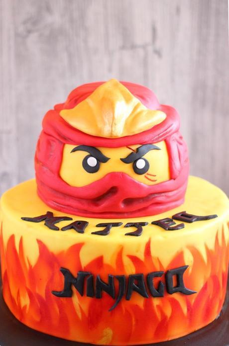 Ausmalbilder Ninjago Gesicht: Ninjago Torte