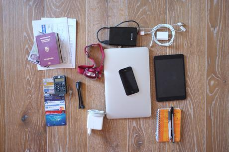 Gadgets und Dokumente Backpacking