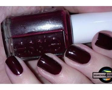 [Nails] Specialties mit essie 282 shearling darling & essence Come to Town 01 THE MOST WONDERFUL TREE & p2 SO GOLD