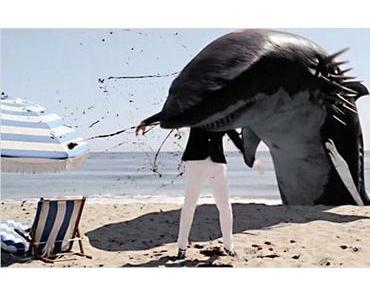 """""""Sharktopus vs. Pteracuda"""": Beachvolleyball mit Leichenteilen"""