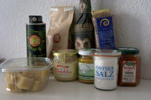 Marzipan – Leinsamen – Gugelhupf mit Salted Caramel Sahne