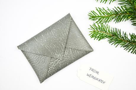 DIY Weihnachtliche Geschenkverpackung für Mode-Fans