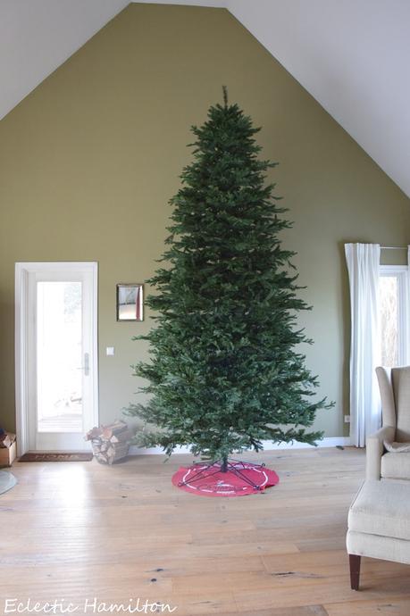 mein k nstlicher weihnachtsbaum wie werden 4 meter eigentlich aufgebaut und sieht der wirklich. Black Bedroom Furniture Sets. Home Design Ideas