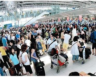 Beschwerden über untragbare Wartezeiten an Immigration Schaltern nehmen zu
