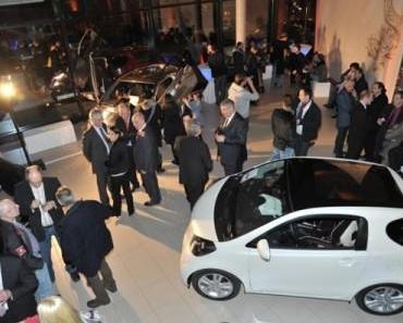 Erster Toyota iQ-Store in Berlin eröffnet