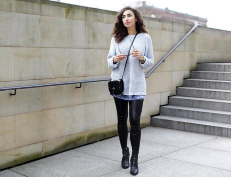 http://samieze.com/2015/12/leather-leggings-outfit/