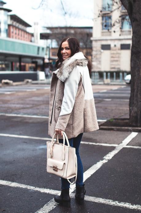 Kleidermaedchen Modeblog, erfurt, thueringen, berlin, fashionblog, Outfit, kleidermaedchen.de, Influencer Marketing und Kommunikation, Outfit, winteroutfit, River Island, Topshop Jeans, H&M Pullover, Clarks Tasche, H&M Boots