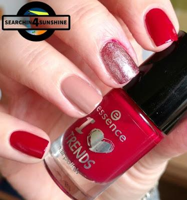 [Nails] NailArt-Dienstag: Dreiecke - totaler FAIL mit essence 06 sweet caramel sweets & 13 rudolph's favorite