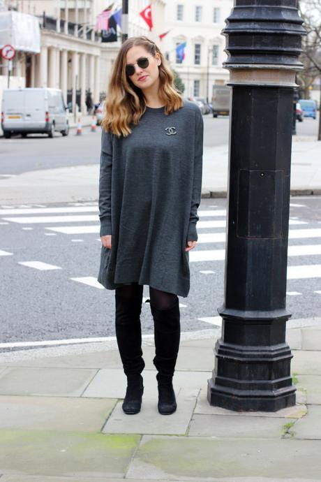 grey dress & other stories frankfurt blogger chanel brosche