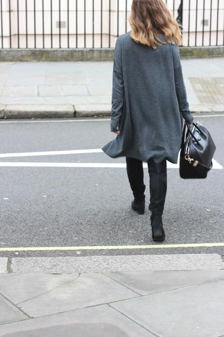 grey dress & other stories frankfurt blogger chanel brosche 10