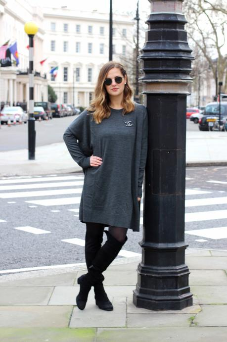grey dress & other stories frankfurt blogger chanel brosche 1