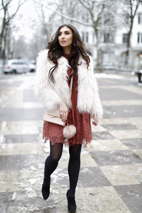 hoch komplett 2 asos lace dress rust dress vikings look inspiration zara faux fur jacket birthday look winter geburtstags outfit winter herbst samieze streetstyle