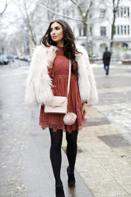 Winter Birthday Outfit asos lace dress rust dress vikings look inspiration zara faux fur jacket geburtstags outfit winter herbst samieze streetstyle