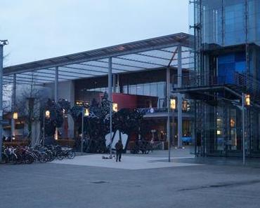 Von tanzenden Robotern und tanzenden Menschen. Ein Besuch im ZKM Karlsruhe