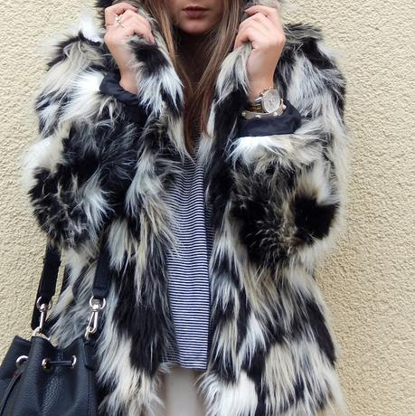 Outfit: Fake Fur Eyecatcher